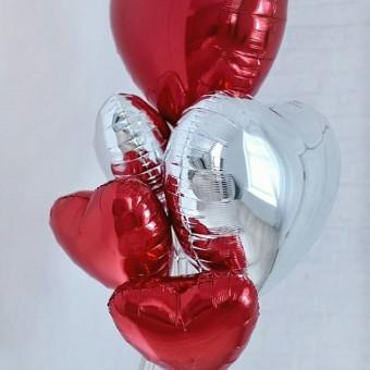 Фонтан из фольгированных сердец 5 шт